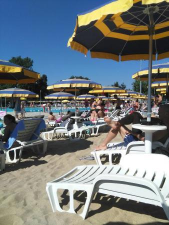 Enjoy sport center cernusco sul naviglio aggiornato for Piscina enjoy