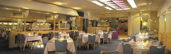 Somerset Inn: Crumpet's Restaurant
