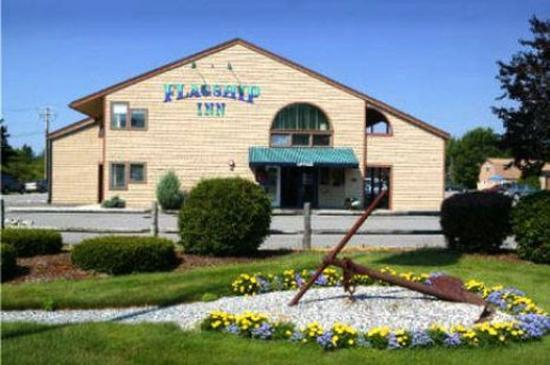 Flagship Inn: Exterior View