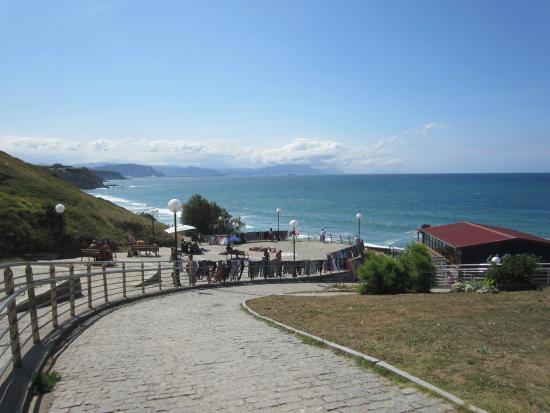 Sopelana, Spania: Chemin d'accès à la plage