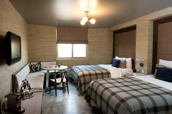 Farmer's Daughter Hotel: Robin Room - two Double beds