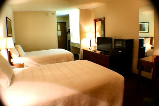 AmeriStay Inn Moses Lake: Two Double Beds