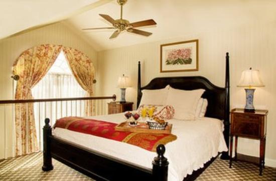 Saybrook Point Inn & Spa: Room WBreakast