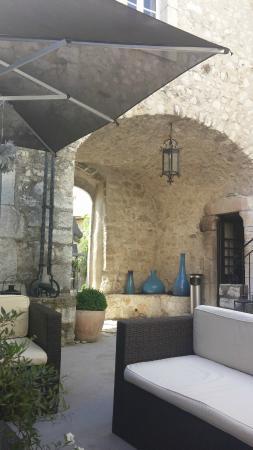 L'Abbaye Hotel : Le patio
