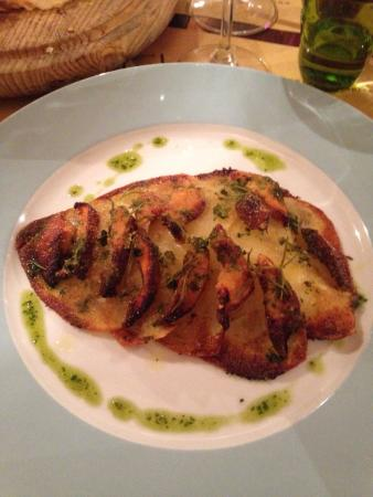 Osteria Pinchiorba: Polpo alla griglia con patate, filetto di orata con patate ,panna cotta alle ciliegie /al cacao