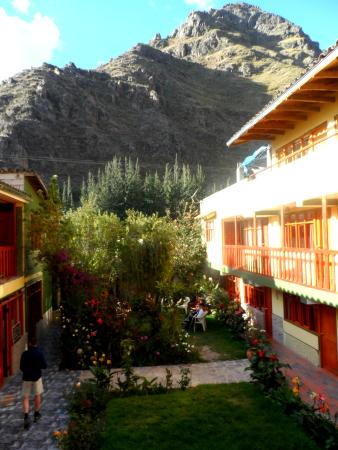 Inka Paradise Hotel: Beautiful view of the mountains from our room