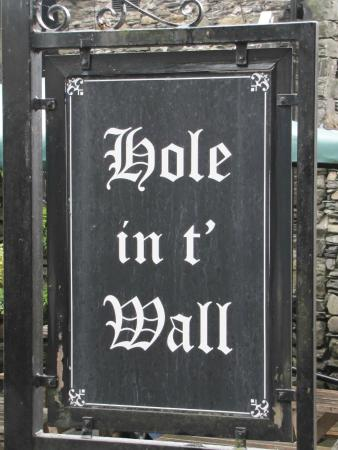 Bowness-on-Windermere, UK: Hole in t' Wall sign - with beautiful calligraphy