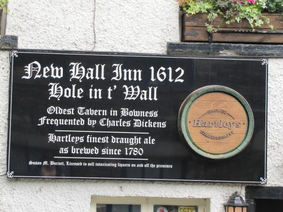Hole in t' Wall (New Hall Inn): The pub with two names