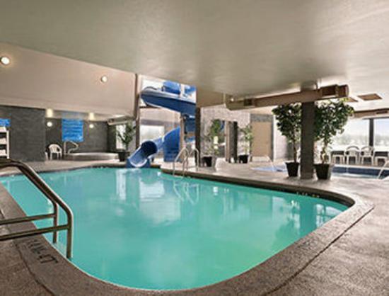 Days inn regina 2 4 320 tripadvisor University of regina swimming pool