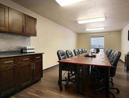 Days Inn - Regina: Boardroom