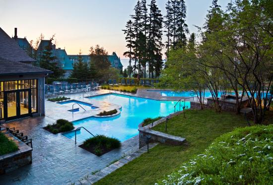 Fairmont le manoir richelieu latest june 2016 hotel for Club piscine canada