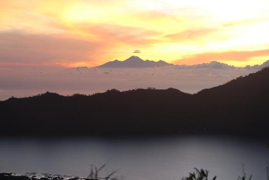 Mount Batur: inilah gambar yang di ambil dari gunung batur sebelum matahari terbit