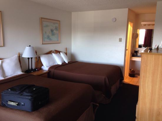 Fort Bragg Travelodge : Room 249