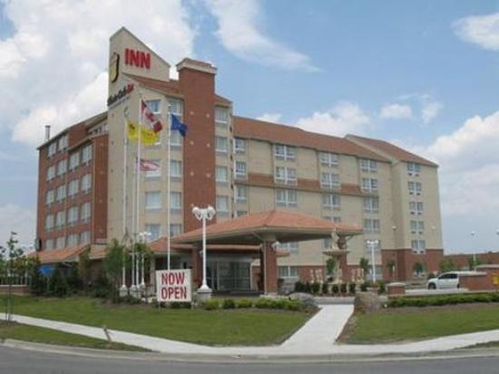 Photo of Monte Carlo Inn Vaughan Suites