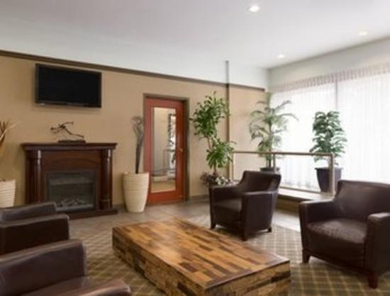 Travelodge Hotel Vancouver Airport: Lobby