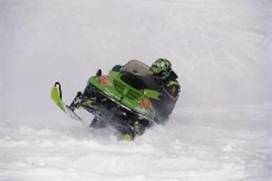 Palliser Lodge - Bellstar Hotels & Resorts : Skidoo Rentals