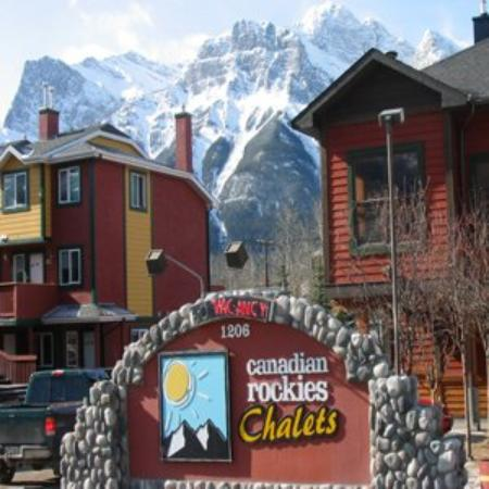 Canadian Rockies Chalets : Property