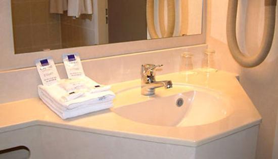 Hotel Capital: Bathroom