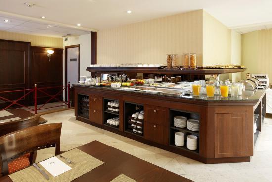 NH Gent Sint Pieters: Buffet breakfast