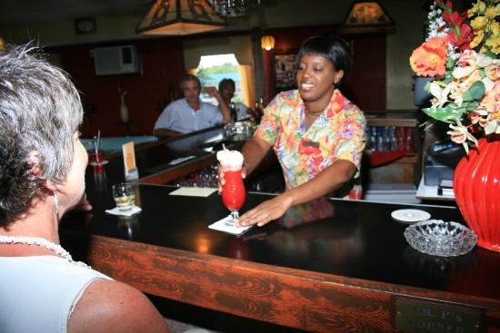 Bell Channel Inn: Daily Happy Hour