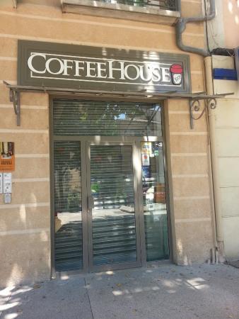 100% Coffee House
