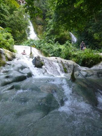 Mele Cascades falls