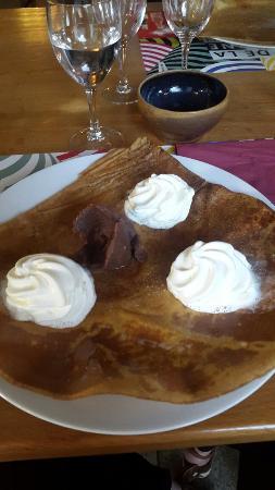 Louargat, France: Crêpe chantilly pâte à tartiner noisette
