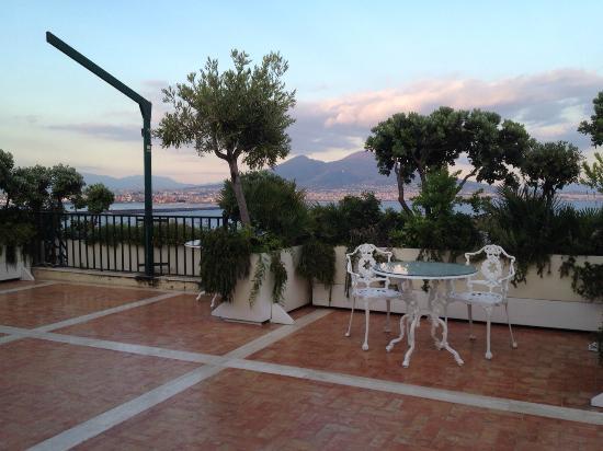 Terrazza 7° piano - Foto di Eurostars Hotel Excelsior, Napoli ...
