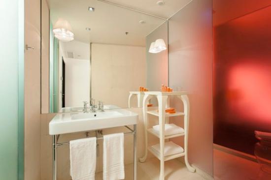 nhow Milano: bathroom