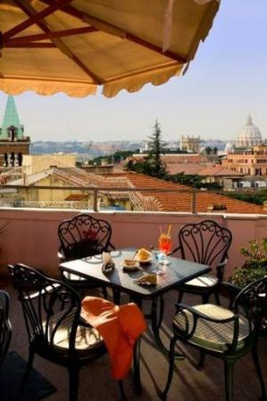 Marcella Royal Hotel : Terrace Detail