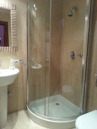 Guest House Forza Lux: banyo