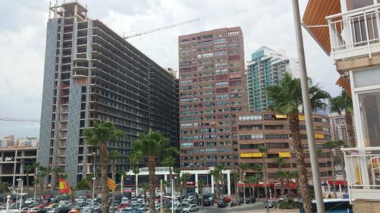 Cala Finestrat Beach : Mole de edificio