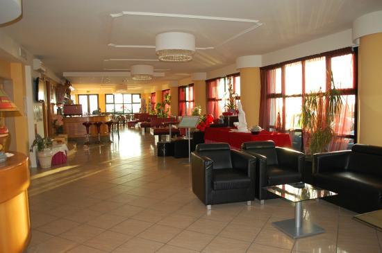 Hotel Clitunno: Reception/ Bar