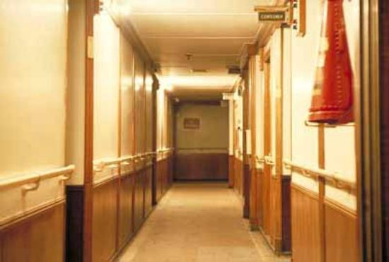 Surya Palace Hotel: hotel lobby