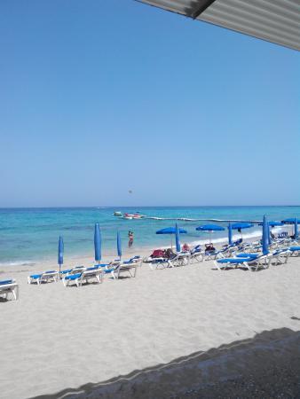 Kkaras Hotel Apts. : пляж