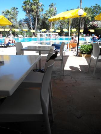 Kkaras Hotel Apts. : бассейн