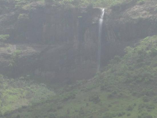 Pandavkada Falls: View of Pandavkada waterfall