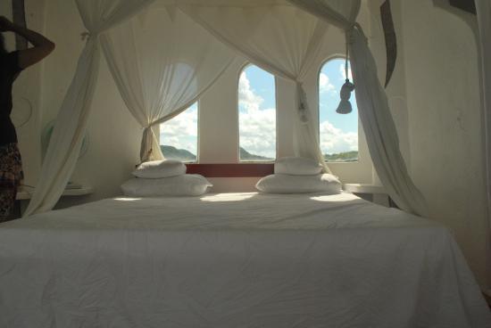 AL FARO Cosmio Hotel Palawan: Tower room