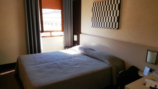 Hotel Valentino: Bed