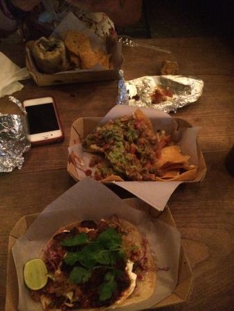 Taco Local: Burrito, nachos & tacos