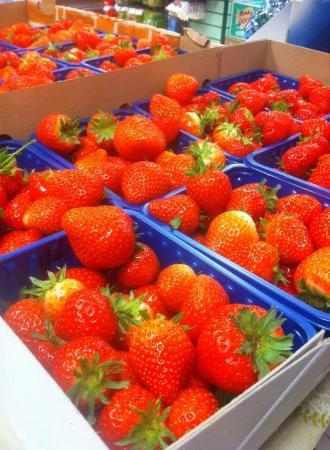 Glaslough, Irlanda: Fresh Juicy Strawberries