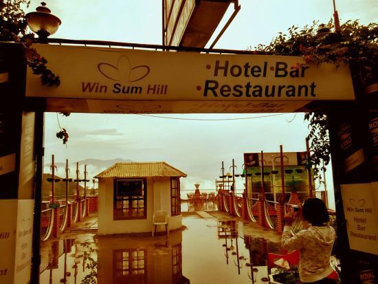 Winsum Hill Hotel