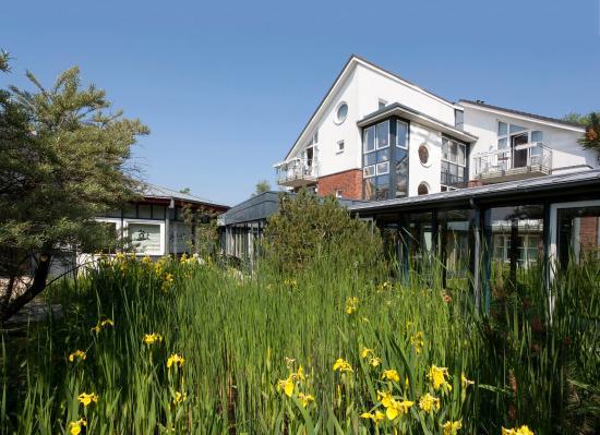 Dorint Strandhotel Ostseebad Wustrow: Exterior view