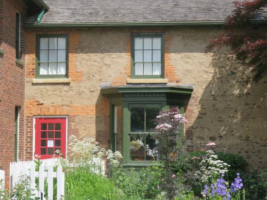 McFarland House: exterior