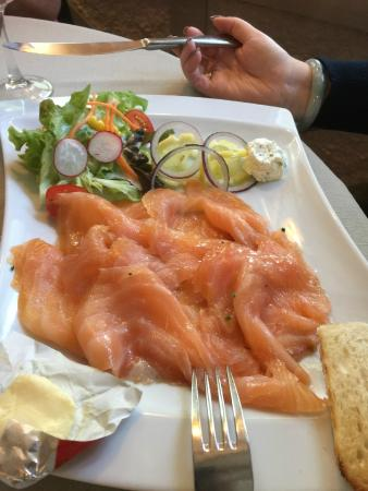 Le Chapon Fin : Smoked Salmon starter