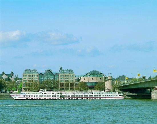 Photo of Maritim Hotel Koeln Cologne