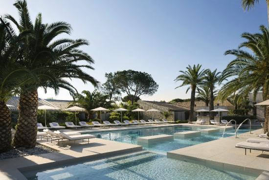 vue piscine foto di hotel sezz saint tropez saint tropez tripadvisor. Black Bedroom Furniture Sets. Home Design Ideas