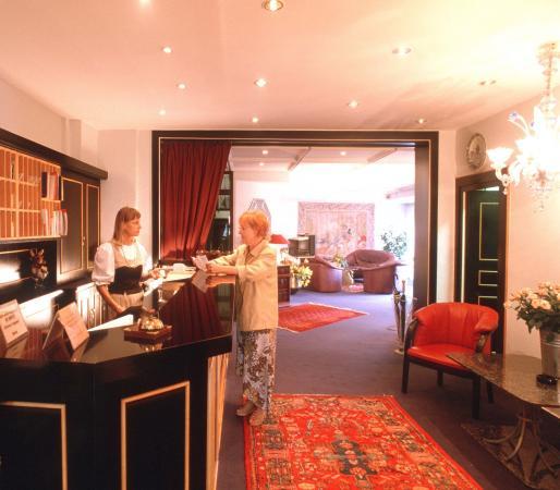 Hotel Goya: Lobby