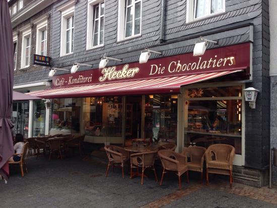 Hohe Konditorenkunst! - Cafe Und Konditorei Hecker ...