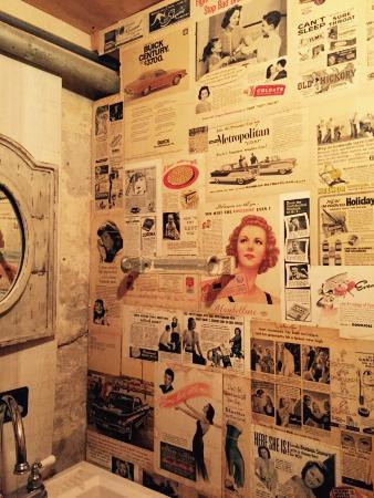Normangee, TX: Bathroom wall